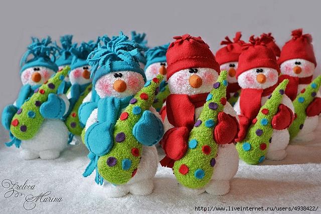 Махровые снеговики своими руками