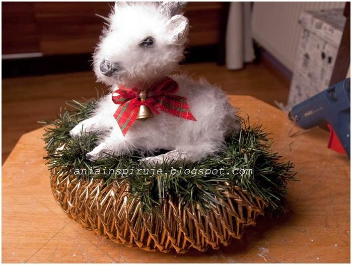 Рождественский СЕВЕРНЫЙ ОЛЕНЬ из папье маше. Мастер-класс (15) (700x526, 263Kb)