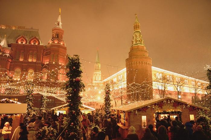 рождество в москве (700x466, 414Kb)