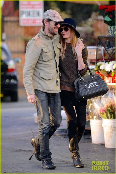 kate-bosworth-carries-kate-bag-on-affectionate-errand-run-01 (465x700, 89Kb)