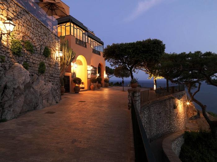 отель Punta Tragara италия (700x524, 268Kb)