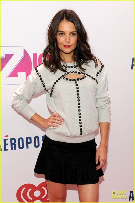 katie-holmes-z100-jingle-ball-2013-04 (466x700, 68Kb)