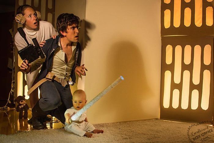 Родители сняли сцены из фильмов с участием своего маленького сына