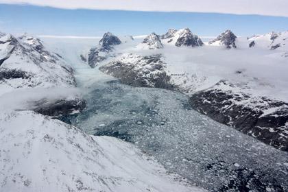 Гренландия - жидкая вода в леднике (420x280, 39Kb)