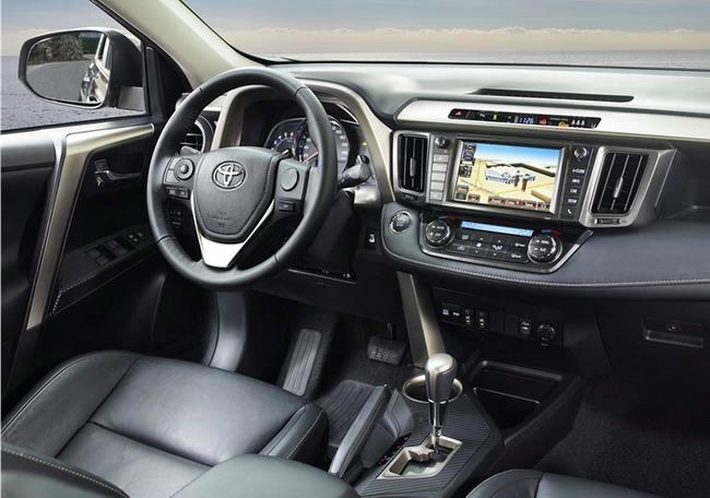 Toyota-RAV4-2013-2 (650x456, 147Kb)