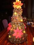 Новогодняя елочка из сосновых шишек. Обсуждение на LiveInternet - Российский Сервис Онлайн-Дневников