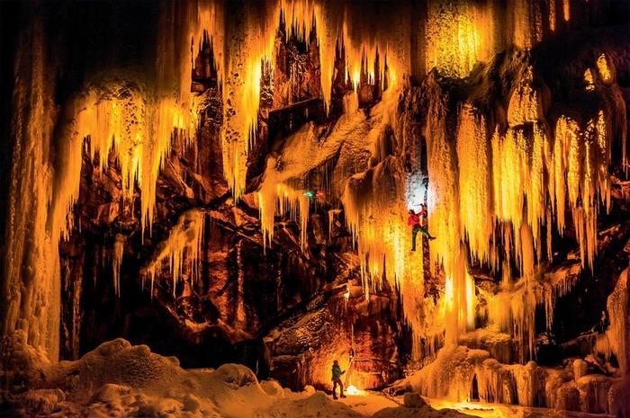 замерзшие водопады фото 5 (700x465, 323Kb)