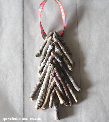 diy-christmas-tree-ornament-via-upcycledtreasures (376x419, 255Kb)
