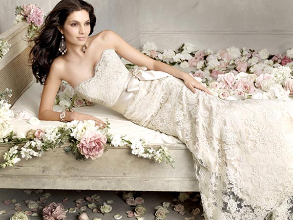 3937385_WeddingDress_01 (600x450, 60Kb)