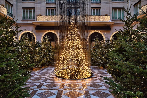 новогодний интерьер фото Four Seasons Hotel George V 4 (570x381, 292Kb)