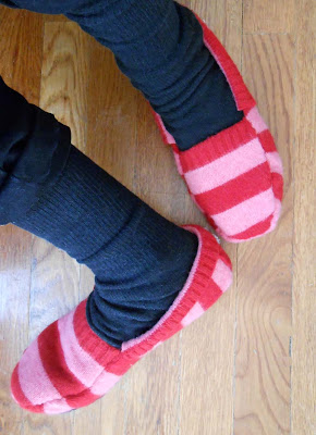 4045361_Sweater_Slippers3 (290x400, 40Kb)