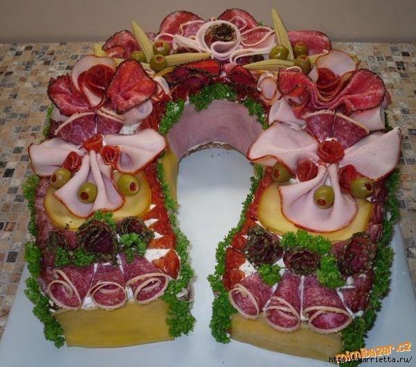 Новогодний СОЛЕНЫЙ торт. ПОДКОВА (15) (600x529, 192Kb)