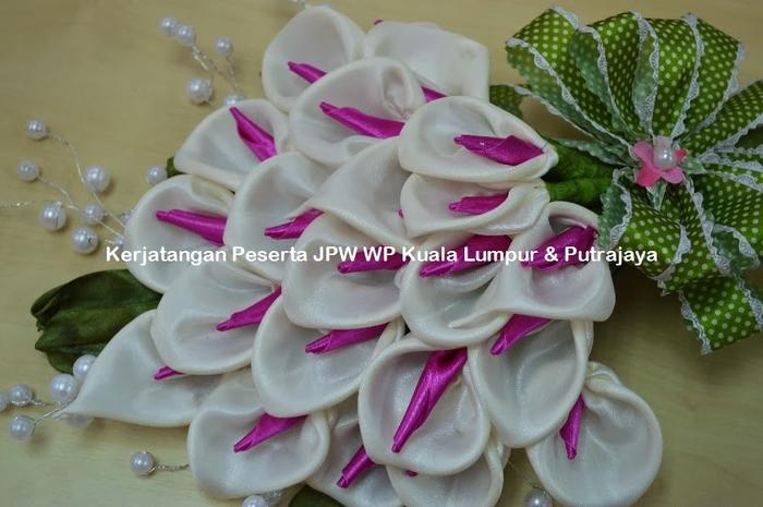 Цветы из ткани. Новые работы от Suzana Mustafa (3) (700x465, 223Kb)