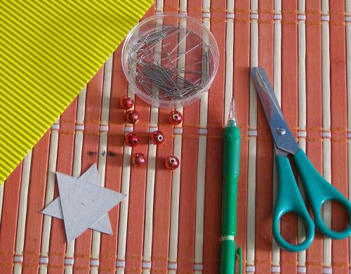 Новогодняя елочка из кружевных бумажных салфеток (20) (500x390, 352Kb)