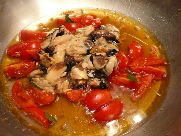спагетти с мидиями и помидорами (700x525, 299Kb)