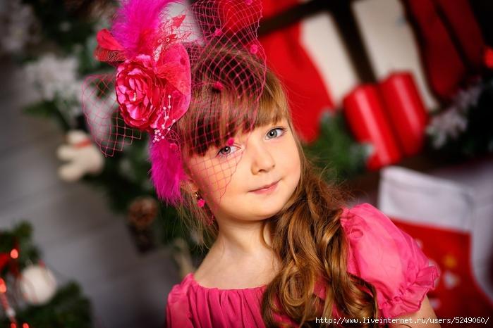 Детская прическа со шляпкой фото