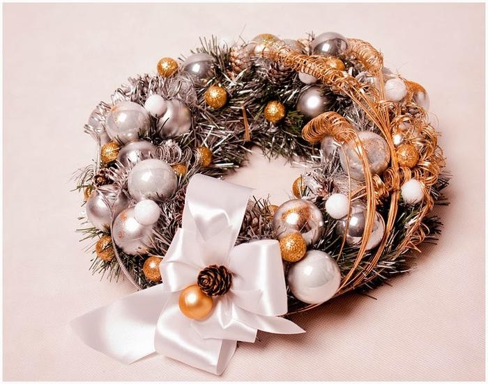 Как сделать рождественский венок на картонной основе (10) (700x552, 286Kb)