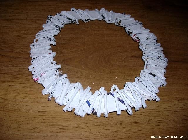 Новогоднее плетение из газет. ЗВЕЗДЫ из газетных трубочек (10) (640x479, 238Kb)
