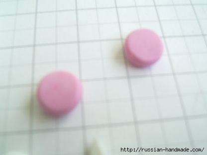 Как слепить кролика из полимерной глины. Фото мастер-класс (4) (416x312, 34Kb)