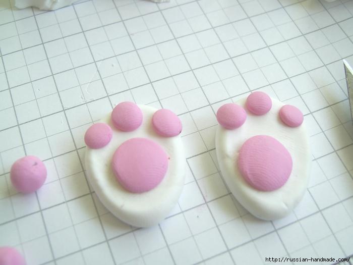 Как слепить кролика из полимерной глины. Фото мастер-класс (15) (700x525, 197Kb)
