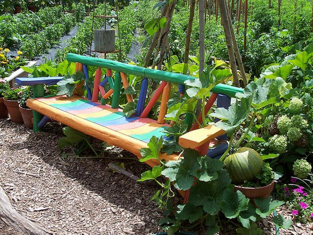 garden-bench-painting-decorating-ideas-1 - копия (625x469, 481Kb)