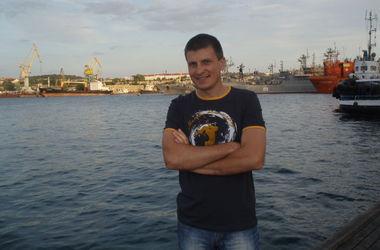 3418201_Stanislav_Korachevskiirasstrelyan_bezoryjnim_iz_avtomata_v_Krimy2014___22_main (380x250, 19Kb)