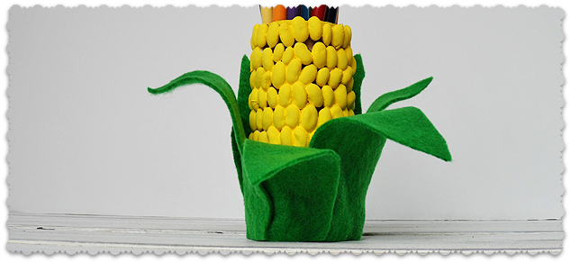 Карандашница - Початок кукурузы из фасоли (1) (634x292, 287Kb)