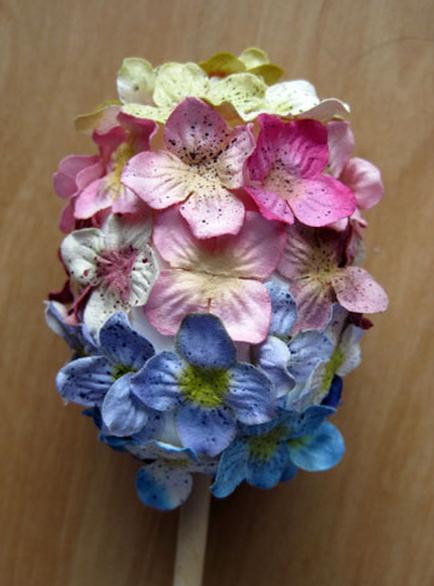 Пуговичный и цветочный пасхальный топиарий (5) (434x586, 557Kb)
