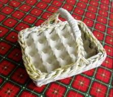 Плетение из газет. Корзинка для пасхальных яиц (10) (223x192, 53Kb)