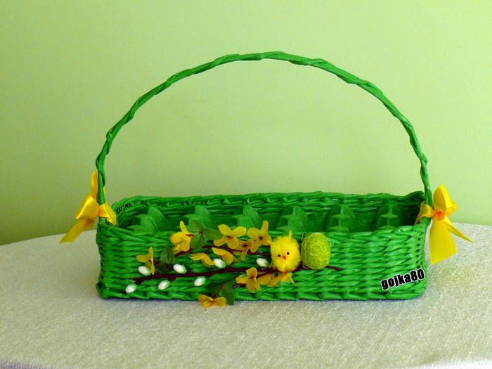 Плетение из газет. Корзинка для пасхальных яиц (24) (700x525, 485Kb)