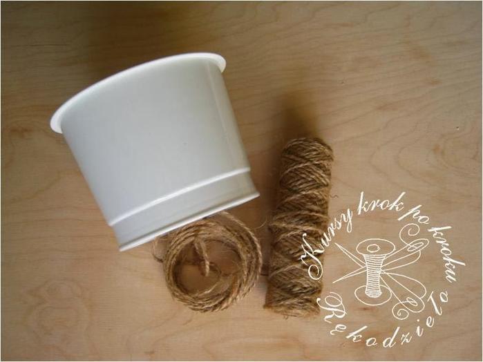 Вазочка из шпагата и пластикового стаканчика (2) (700x524, 253Kb)