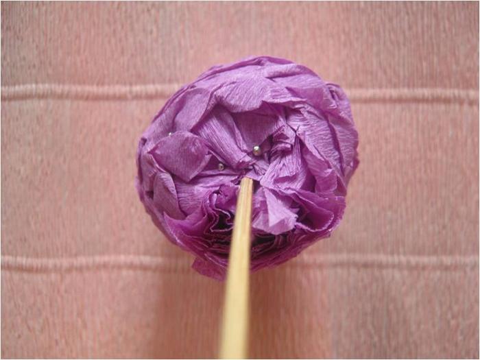 Пасхальное яйцо из гофрированной бумаги. Видео и мастер-класс (26) (700x525, 278Kb)
