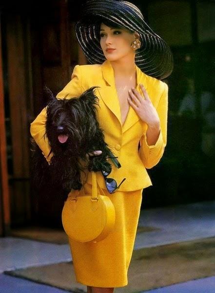 в желтом костюме (441x600, 50Kb)