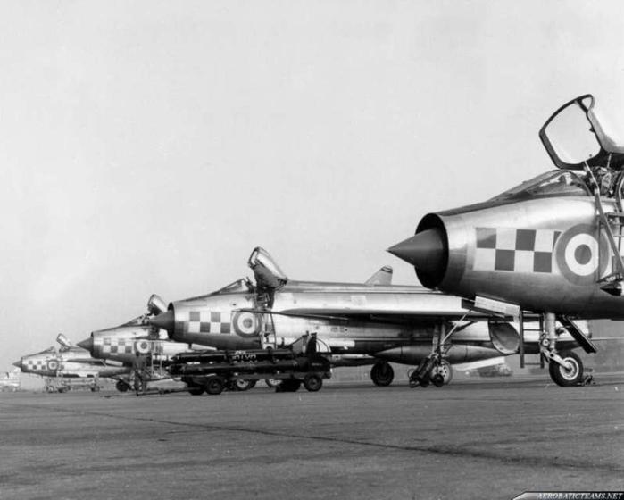 1964firebirds-lightning-11 (700x560, 149Kb)