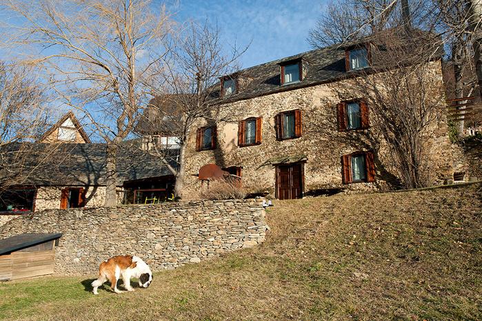 3925073_spanish_pyrenees_house_hqroom_ru_1 (700x466, 383Kb)
