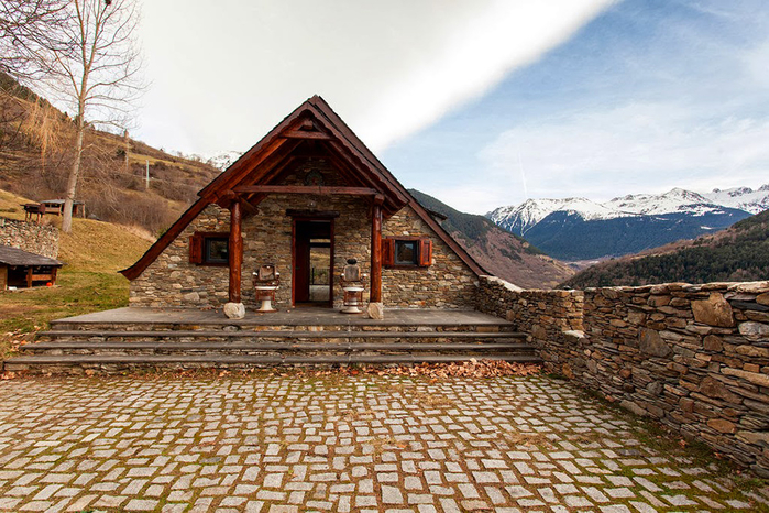 spanish_pyrenees_house_hqroom_ru_7 (700x466, 475Kb)