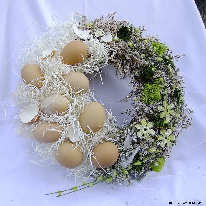 Пасхальные венки. Основа для венка из яичных лотков (23) (700x700, 456Kb)