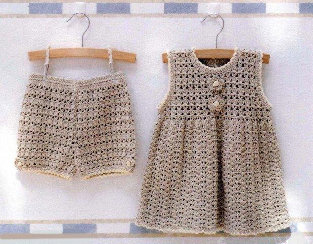 Вязаные шорты и вязаное платье