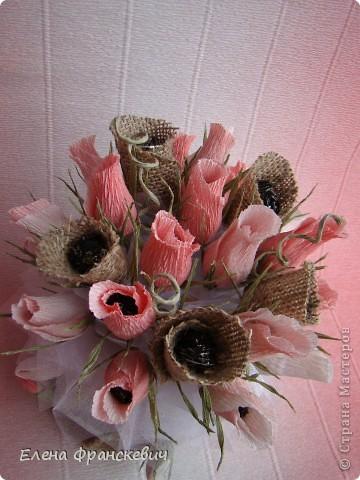 Мешковина и розы из гофрированной бумаги (1) (360x480, 166Kb)