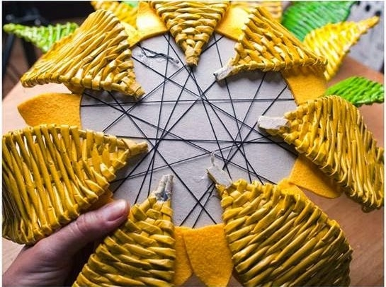 DIY-Paper-Woven-Sunflower-Tray-123456789999999999999999 (545x406, 193Kb)