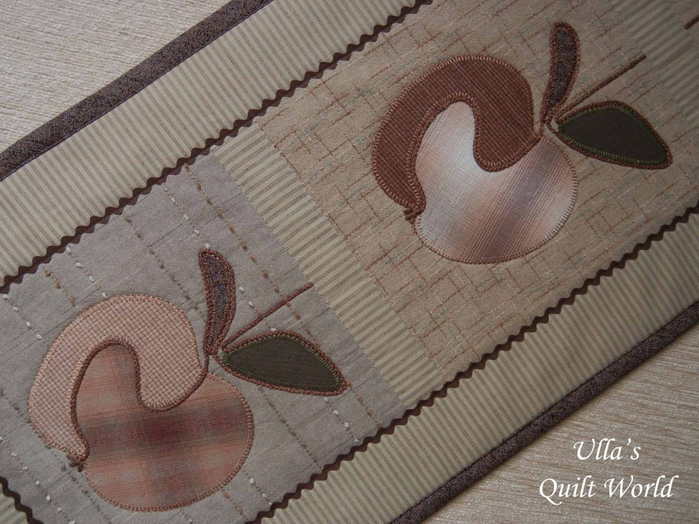 Лоскутное шитье. Красивые салфетки-дорожки с аппликацией и стежкой (19) (700x524, 377Kb)