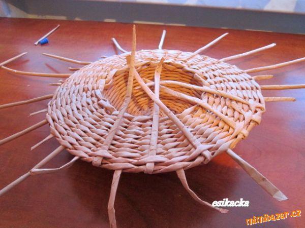 Как сплести шляпку из газетных трубочек. Мастер-класс (21) (600x450, 226Kb)