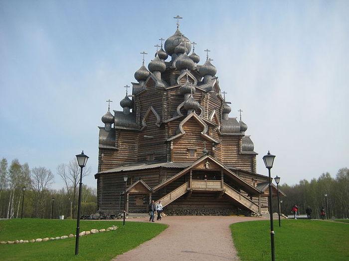 800px-Pokrov_church_Nevsky_lesopark1 (700x525, 59Kb)