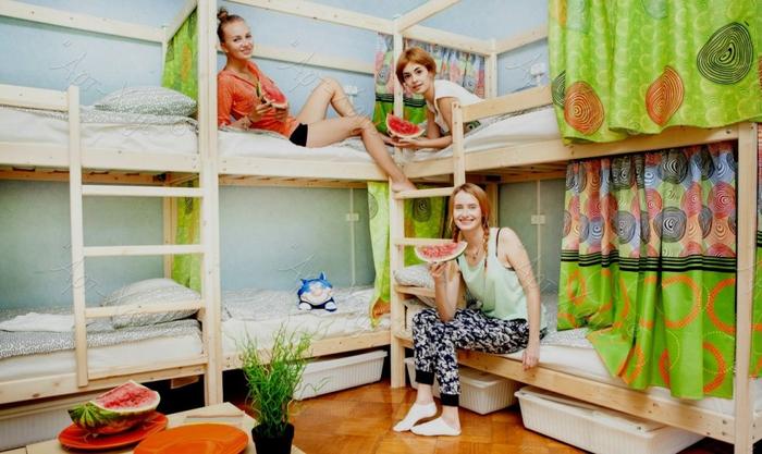 двухъярусная кровать для хостелов 1 (700x417, 351Kb)
