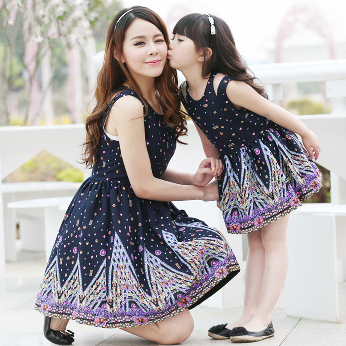 new-2015-fashion-girls-clothing-vest-mother-and-daughter-dresses-printed-family-matching-clothes-children-clothing (700x700, 658Kb)
