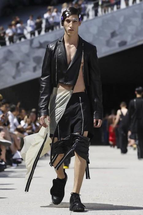 126300066 111915 1330 HoodbyAir6 Hood by Air в Париже: Мужская мода от американского короля ЛГБТ сообщества