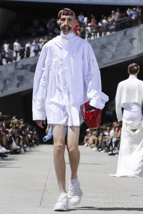 126300084 111915 1330 HoodbyAir16 Hood by Air в Париже: Мужская мода от американского короля ЛГБТ сообщества