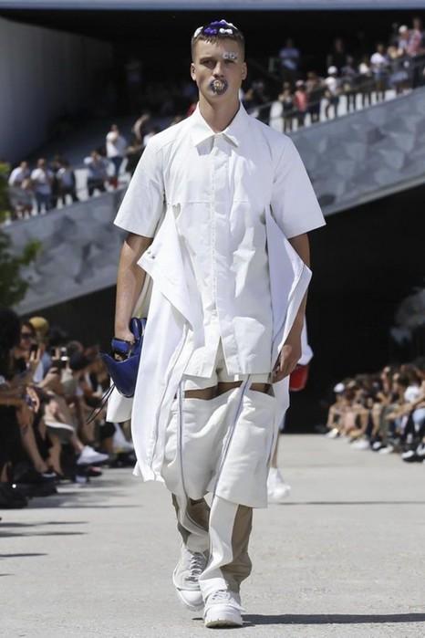 126300086 111915 1330 HoodbyAir17 Hood by Air в Париже: Мужская мода от американского короля ЛГБТ сообщества