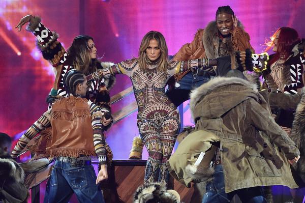 2015+American+Music+Awards+Show+ahm3-5cAJmul (600x399, 313Kb)