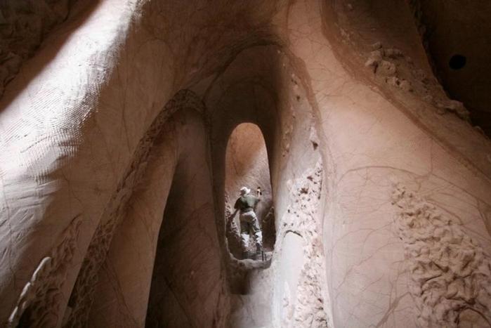 esculpidas à caverna-4 (700x467, 189KB)